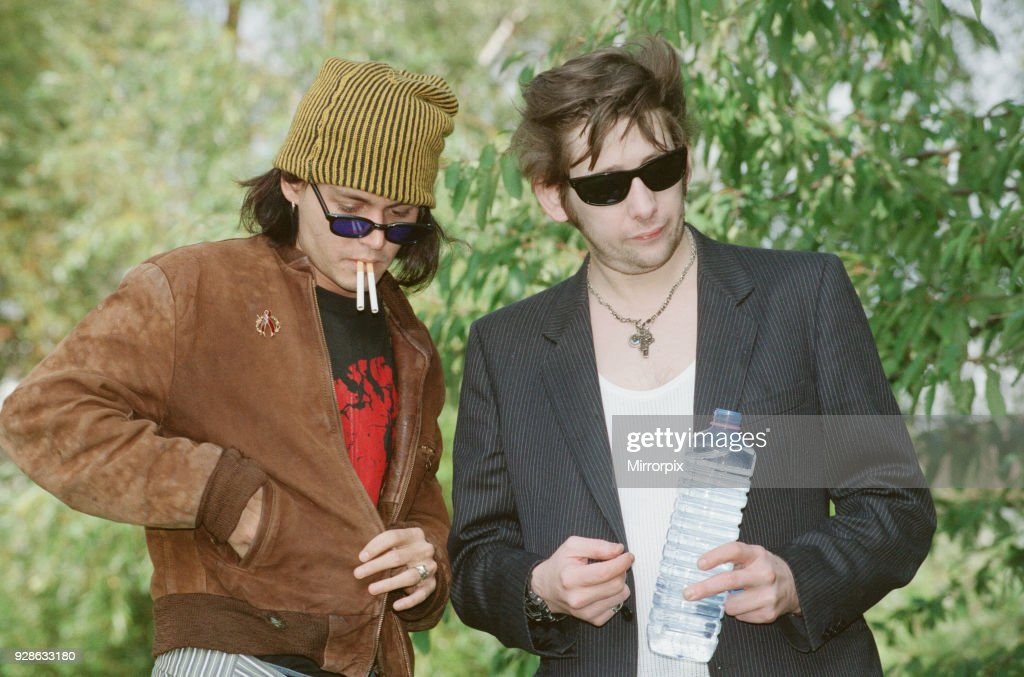 https://media.gettyimages.com/photos/johnny-depp-and-singer-shane-macgowan-johnny-depp-is-guesting-on-new-picture-id928633180