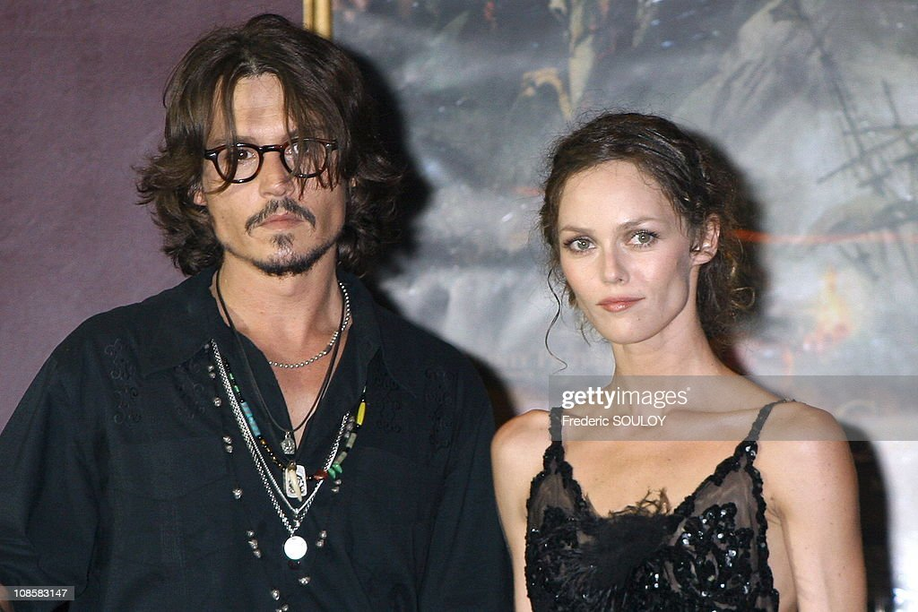 Pirates of the Caribbean 'Premiere in Paris, France on July 06, 2006. : Photo d'actualité