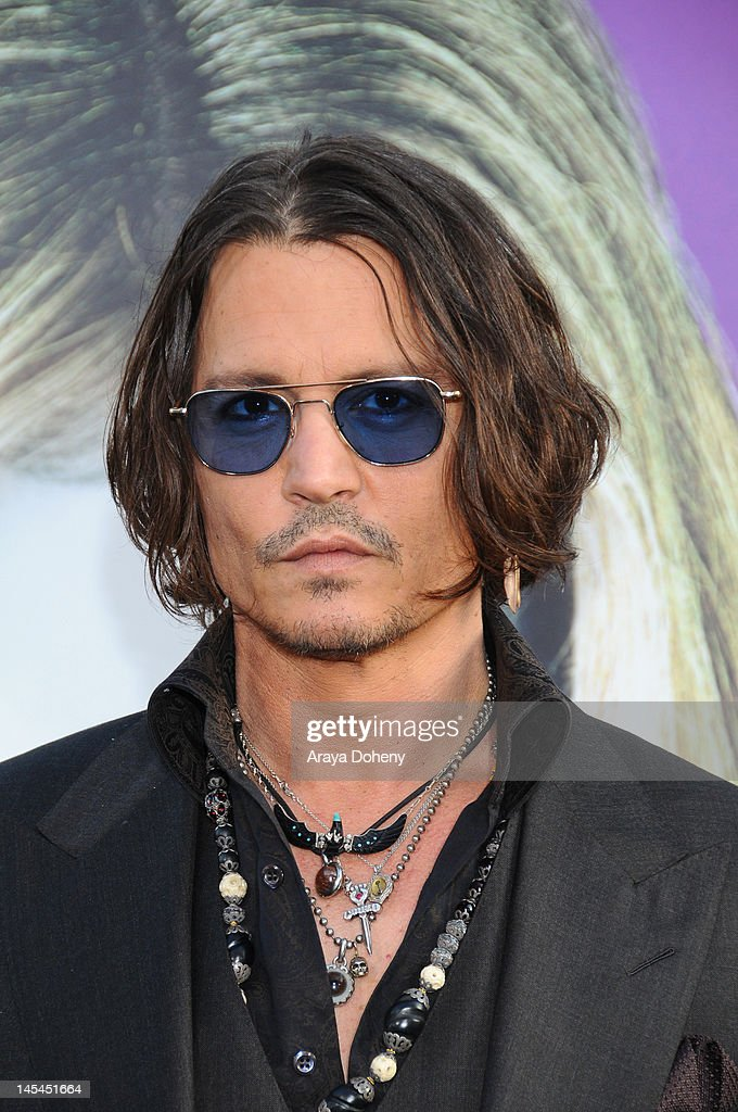 'Dark Shadows' - Los Angeles Premiere - Arrivals : News Photo