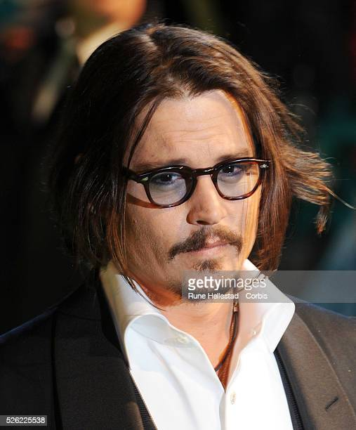 Johnny Depp attends the premiere of 'Alice In Wonderland' at Odeon Leicester Square
