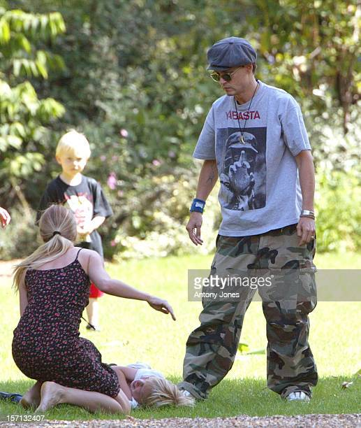 Johnny Depp Wife Vanessa Paradis Take Their Two Children For A Picnic In A London Park