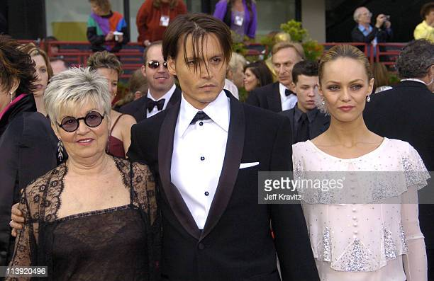 Johnny Depp with his mother and Vanessa Paradis