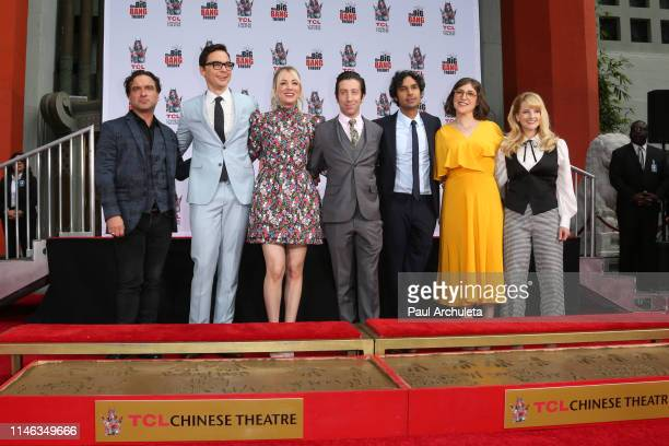 Johnny Galecki Jim Parsons Kaley Cuoco Simon Helberg Kunal Nayyar Mayim Bialik and Melissa Rauch attend the handprint ceremony for the cast of The...