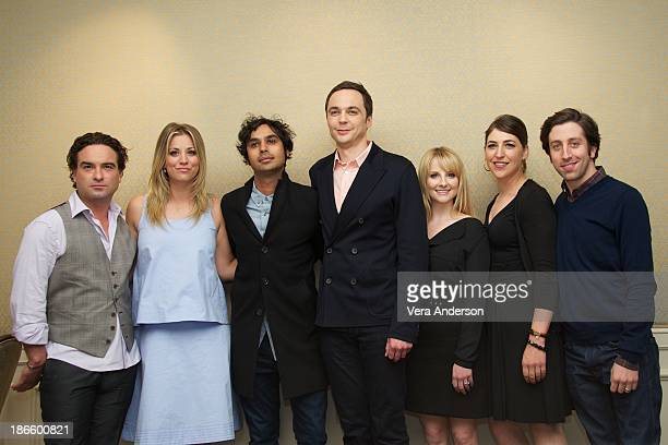 Johnny Galecki Kaley Cuoco Kunal Nayyar Jim Parsons Melissa Rauch Mayim Bialik and Simon Helberg at 'The Big Bang Theory' Press Conference at the...