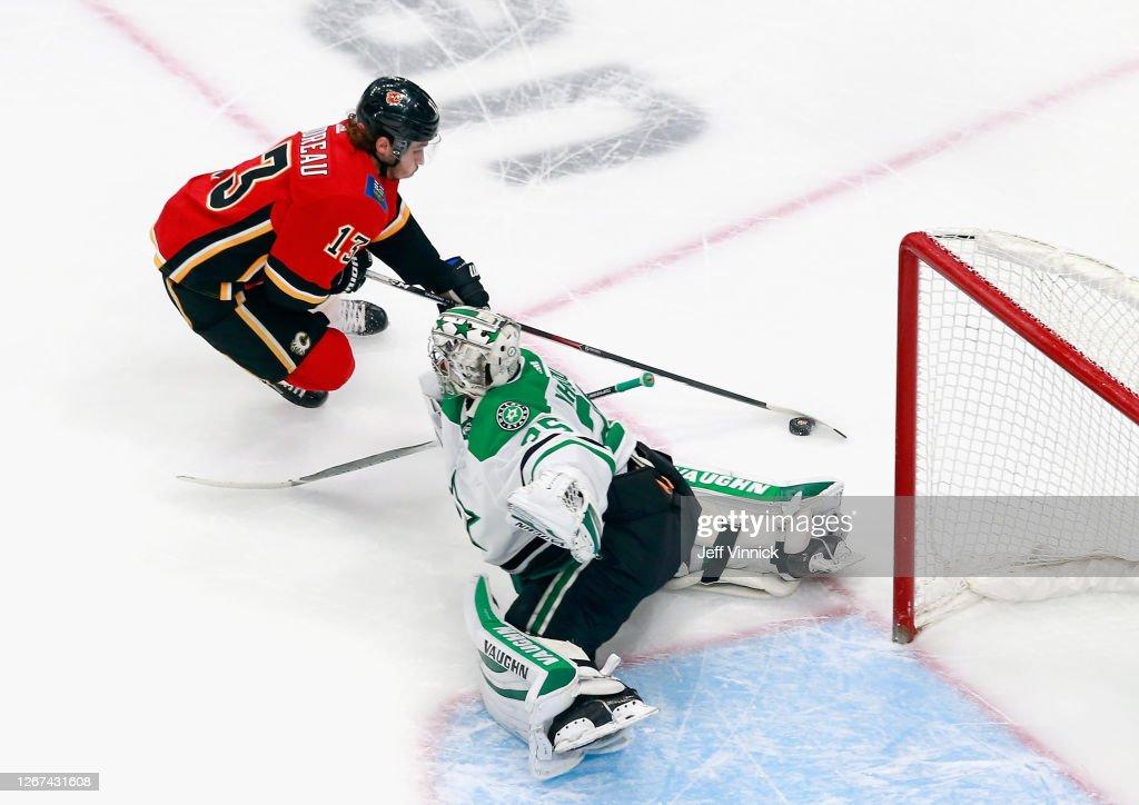 Dallas Stars v Calgary Flames - Game Six : News Photo