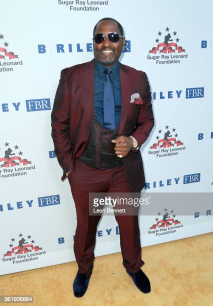 Johnny Gill attends the Sugar Ray Leonard Foundation 9th Annual Big Fighters Big Cause Charity Boxing Night presented by B Riley FBR Inc at the Loews...