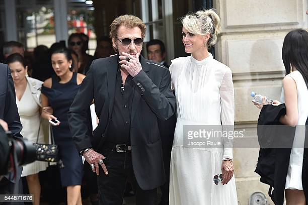 Johnny Hallyday and Laeticia Hallyday are seen arriving at Dior Fashion show during Paris Fashion Week Haute Couture F/W 20162017 on July 4 2016 in...