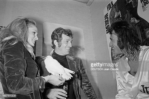 Johnny Hallyday At The Palais Des Sports 1971 Johnny HALLYDAY en concert au Palais des Sports de Paris du 21 septembre au 14 octobre 1971 dans sa...