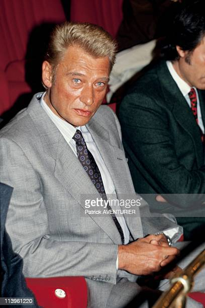 Johnny Hallyday at the Theatre de l'Atelier In Paris France On September 25 1986Johnny Hallyday at the premiere of 'Adriana Monti' which plays...