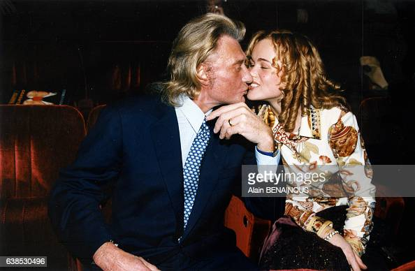 johnny hallyday embrasse laeticia pictures getty images. Black Bedroom Furniture Sets. Home Design Ideas