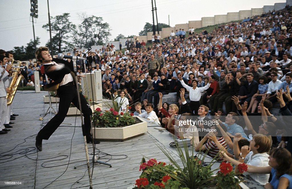 Johnny Hallyday In Czechoslovakia : Fotografia de notícias