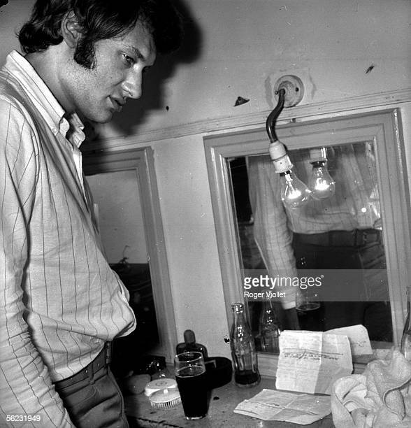 Johnny Hallyday in his dressing room of the Olympia Paris 1962 HA118912