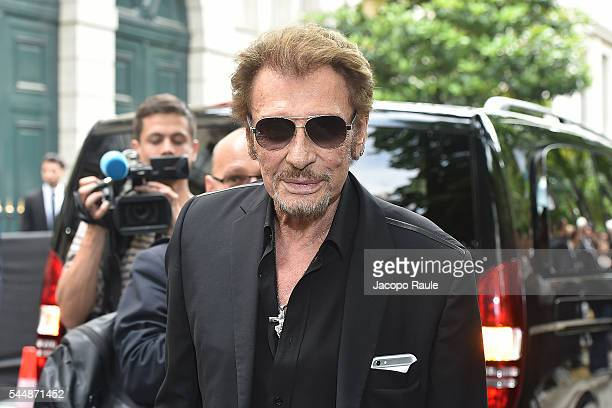 Johnny Hallyday is seen arriving at Dior Fashion show during Paris Fashion Week Haute Couture F/W 20162017 on July 4 2016 in Paris France