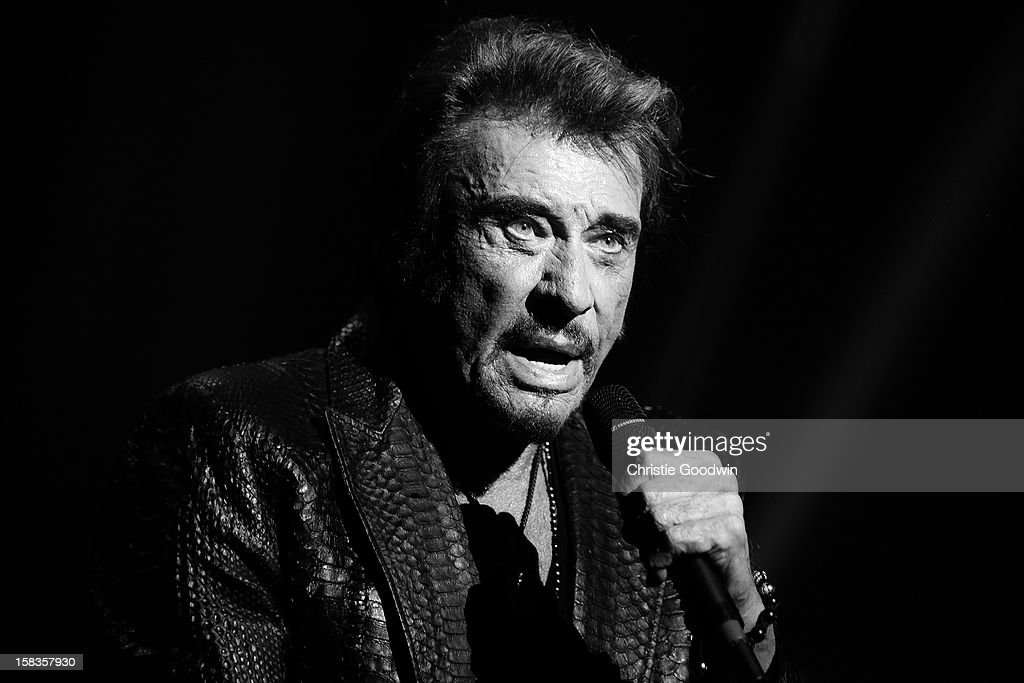 Johnny Hallyday Performs In London : Photo d'actualité