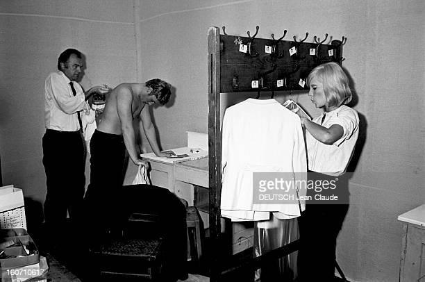 Johnny Hallyday Released Of Its Military Obligations Colmar 6 août 1965 Après avoir été libéré de ses obligations militaires à l'occasion d'un...
