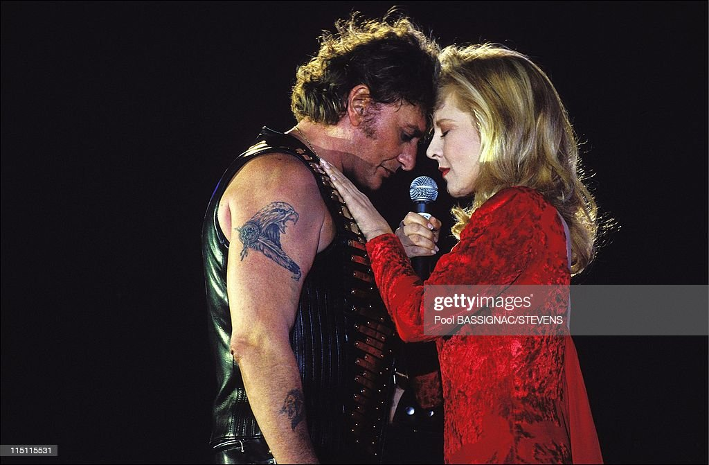 "Johnny Hallyday'S Concert At The ""Parc Des Princes"" For His 50Th Birthday In Paris, France On June 18, 1993. : News Photo"