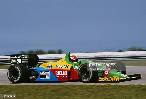 Johnny Herbert of Great Britain drives the Benetton Formula Benetton B188 Ford V8 during practice for the Brazilian Grand Prix on 25th March 1989 at...