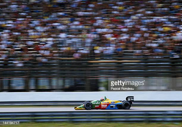 Johnny Herbert of Great Britain drives the Benetton Formula Benetton B188 Ford V8 during the Brazilian Grand Prix on 26th March 1989 at the Autodromo...