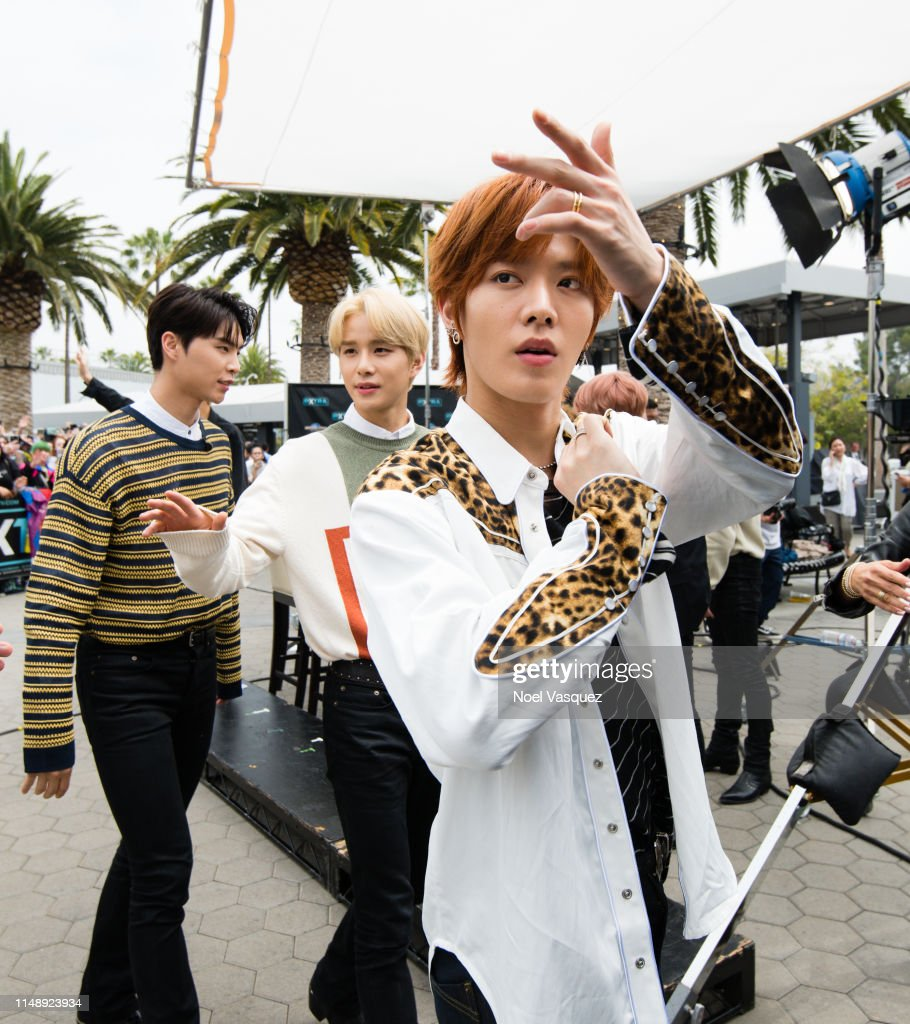 johnny-jungwoo-and-yuta-of-nct-127-visit-extraat-universal-studios-picture-id1148923934