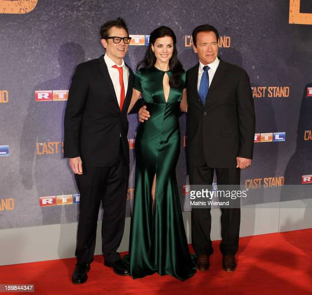 Johnny Knoxville Jaimie Alexander and Arnold Schwarzenegger attend the 'The Last Stand' Cologne Premiere at Astor Film Lounge on January 21 2013 in...