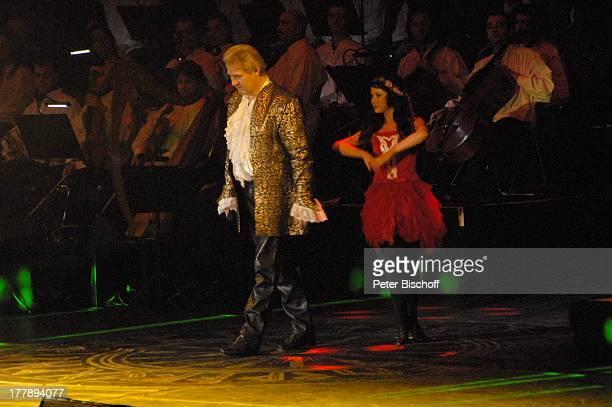 """Johnny Logan als """"König Arthur"""" , Deutschlandpremiere """"Excalibur - Die musikalische Auferstehung einer Legende"""" von Alan Simon, Bremen-Arena ,..."""