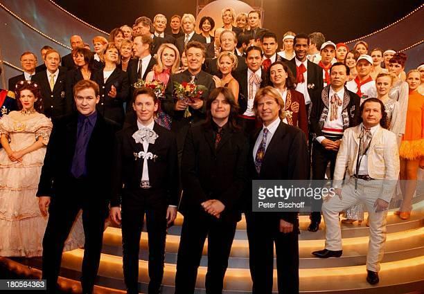 """Johnny Logan, Helmut Lotti, Name folgt,;Hansi Hinterseer, ,;Darsteller """"Sissy"""", König """"Ludwig"""" des;Musicals """"Ludwig"""", Mitglieder des;Golfclubs..."""