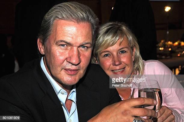 "Johnny Logan , Lebensgefährtin Tanja Suhrmann , Party nach dem 16. ""Tabaluga Golf Cup"" beim ""Eagles Charity Turnier"", ""Tabaluga Kinderstiftung"",..."