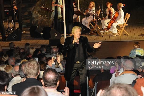 Johnny Logan, Publikum, 2. Benefiz-Konzert zugunsten des parkinsonkranken Ex-Star-Tenor P E T E R HOFMANN, Naturbühne Luisenburg, Wunsiedel, Bayern,...
