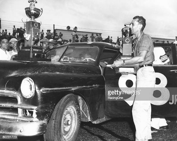 Johnny Mantz drove a 1950 Plymouth coowned by Bill France with two others to win the inaugural Southern 500 at Darlington The team's edge was in...