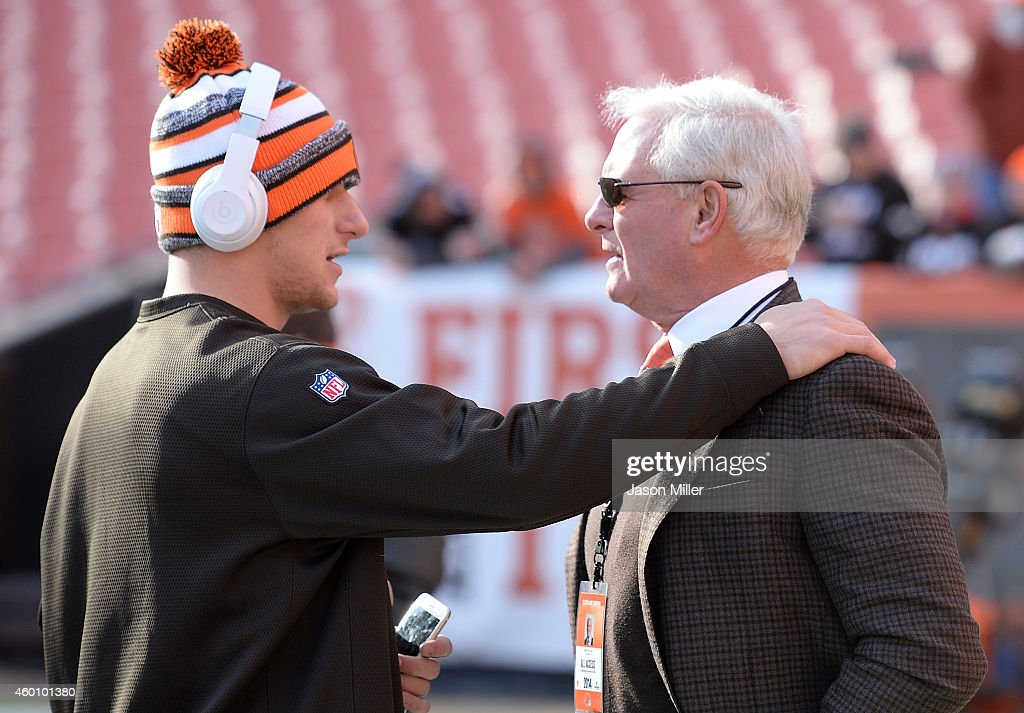 Indianapolis Colts v Cleveland Browns : News Photo