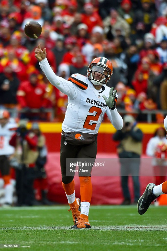 Johnny Manziel #2 of the Cleveland Browns throws a pass at Arrowhead Stadium during the first quarter of the game against the Kansas City Chiefs on December 27, 2015 in Kansas City, Missouri.
