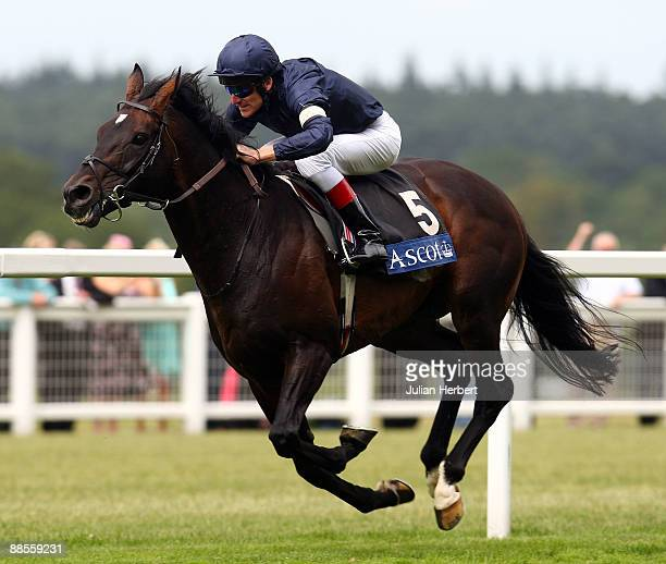Johnny Murtagh and Yeats land The Ascot Gold Cup on The 3rd day of The Royal Meeting at Ascot Racecourse on June 18 2009 in Ascot England