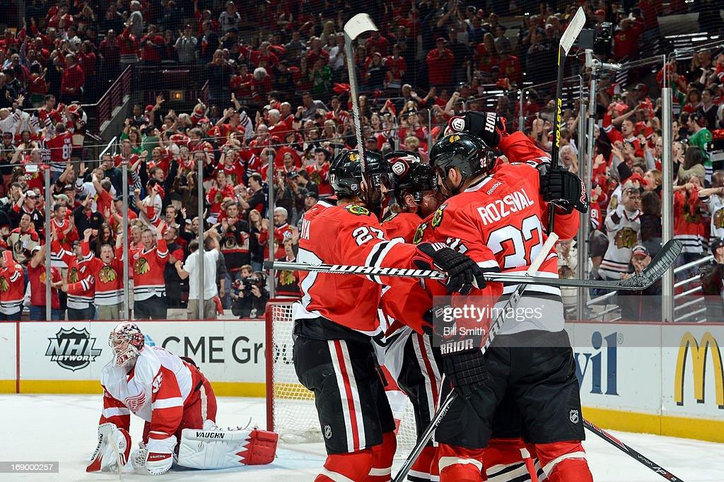 Detroit Red Wings v Chicago Blackhawks - Game Two : News Photo