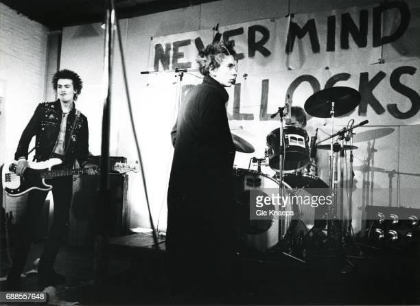 Johnny Rotten Sid Vicious Paul Cook The Sex Pistols De Effenaar Eindhoven Holland December 1977