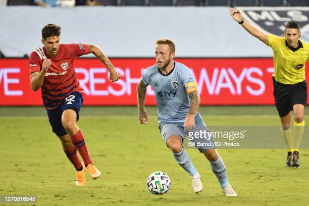 Johnny Russell of Sporting Kansas City on the ball during a game between FC Dallas and Sporting Kansas City at Children's Mercy Park on September 02,...