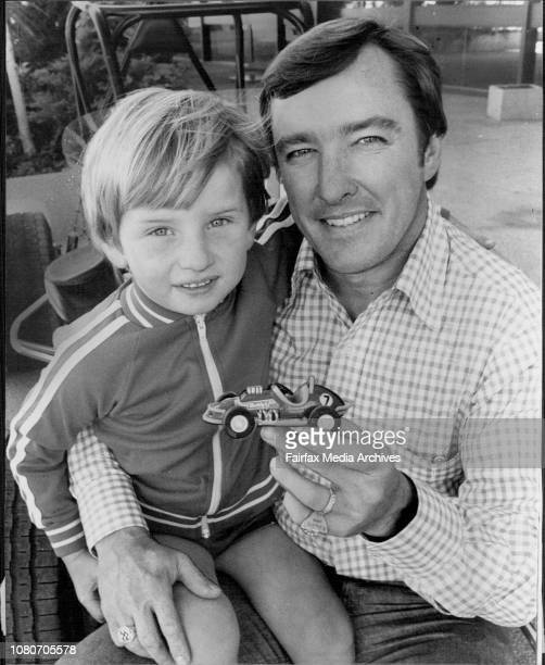Johnny Rutherford ace US car driver arrived in Sydney for speedway racing engagementPictured with four years old David Jackson of Riverwood youngest...