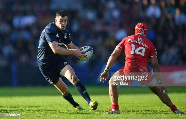 Johnny Sexton of Leinster takes on Cheslin Kolbe of Toulouse during the Champions Cup match between Toulouse and Leinster Rugby at Stade ErnestWallon...