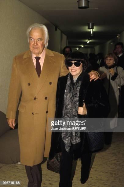 Johnny Stark et Mireille Mathieu arrive au Palais des Congrès à Paris pour le concert de la chanteuse le 10 janvier 1986 France