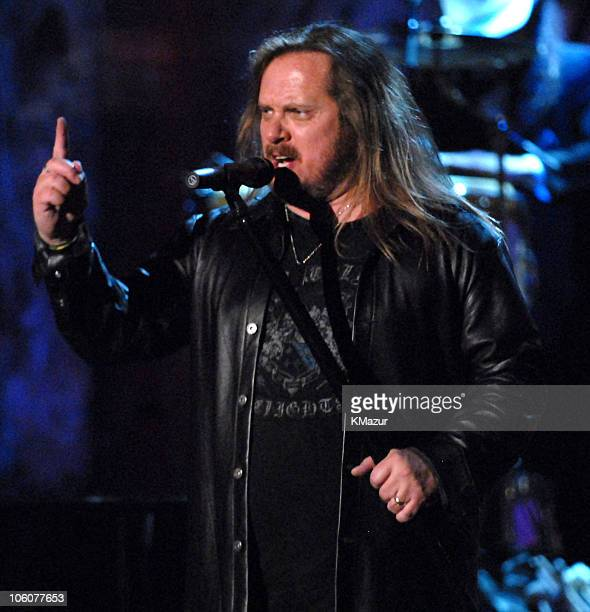 Johnny Van Zant of Lynyrd Skynyrd inductees performs Sweet Home Alabama/Free Bird