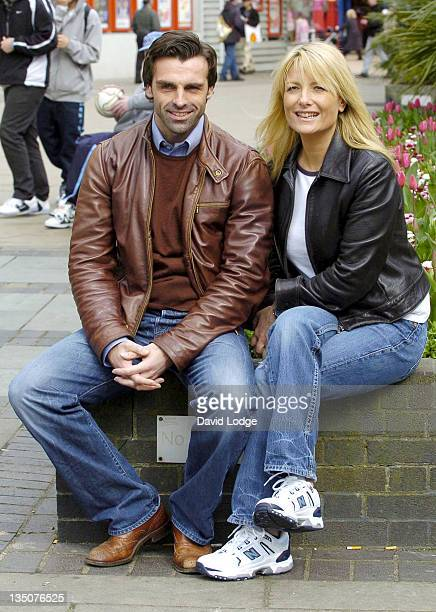 Johnny Wrather and Gaby Roslin during When Harry Met Sally First UK Tour Photocall at Churchill Theatre in London Great Britain