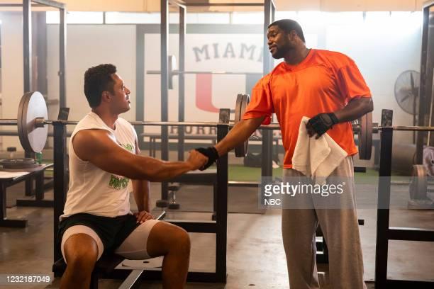 "Johnson & Hopkins"" Episode 107 -- Pictured: Uli Latukefu as Dwayne, Robert Crayton as Warren Sapp --"