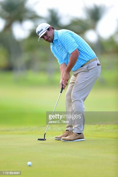 Johnson Wagner attempts a birdie putt on the ninth green during the final round of the Puerto Rico Open at Coco Beach Golf and Country Club on...