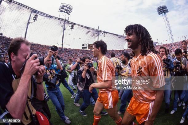 joi Ruud GULLIT / Marco VAN BASTEN URSS / Pays Bas Finale Championnat d'Europe 1988 Munich Photo Alain De Martignac / Icon Sport