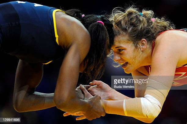 Joice da Silva of Brazil fights against Helen Louise Maroulis of USA in the Women's Freestyle 55kg during the Pan American Games Guadalajara 2011 at...