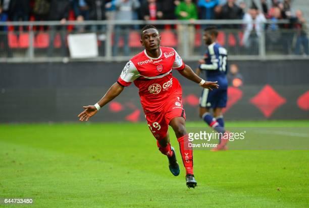 Joie Abdul Majeed WARIS Valenciennes / Lyon 32eme journee de Ligue 1 Photo Dave Winter / Icon Sport