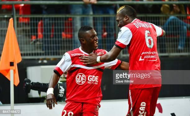 Joie Abdul Majeed WARIS / Tongo Hamed DOUMBIA Valenciennes / Bastia 20e journee Ligue 1 Photo Dave Winter / Icon Sport