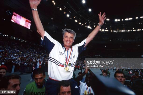 Joie d'Aime JACQUET / Roger Lemerre France / Bresil Finale de la Coupe du Monde 1998 France Photo Alain Gadoffre / Icon Sport
