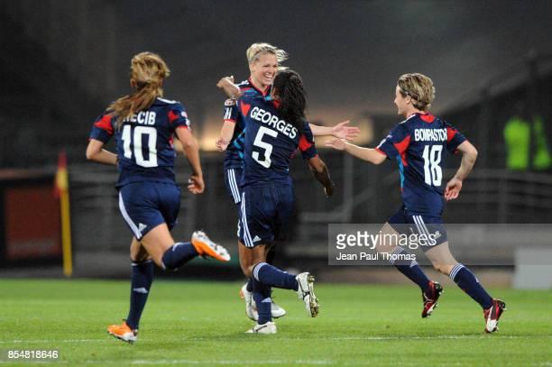 Joie Lara DICKENMANN Lyon / Zvezda 2005 Perm 1/4 Finale Retour de la Ligue des Champions 2010/2011 Lyon