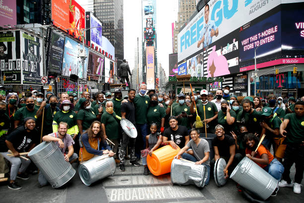 NY: STOMP Joins Mayor DeBlasio As He Introduces The City Cleanup Corps