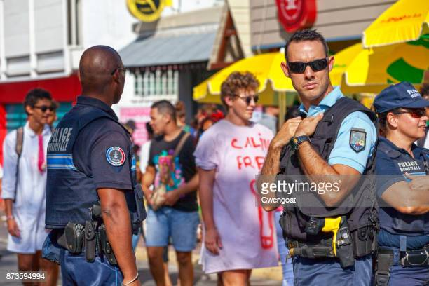 joint patrol between the gendarmerie and the police - between stock pictures, royalty-free photos & images